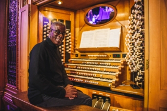rah_wayne-marshall-on-the-royal-albert-hall-organ-1474383989